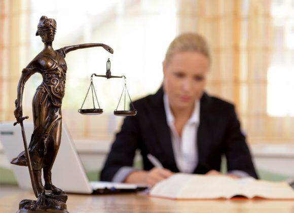 Derecho bancario y seguros
